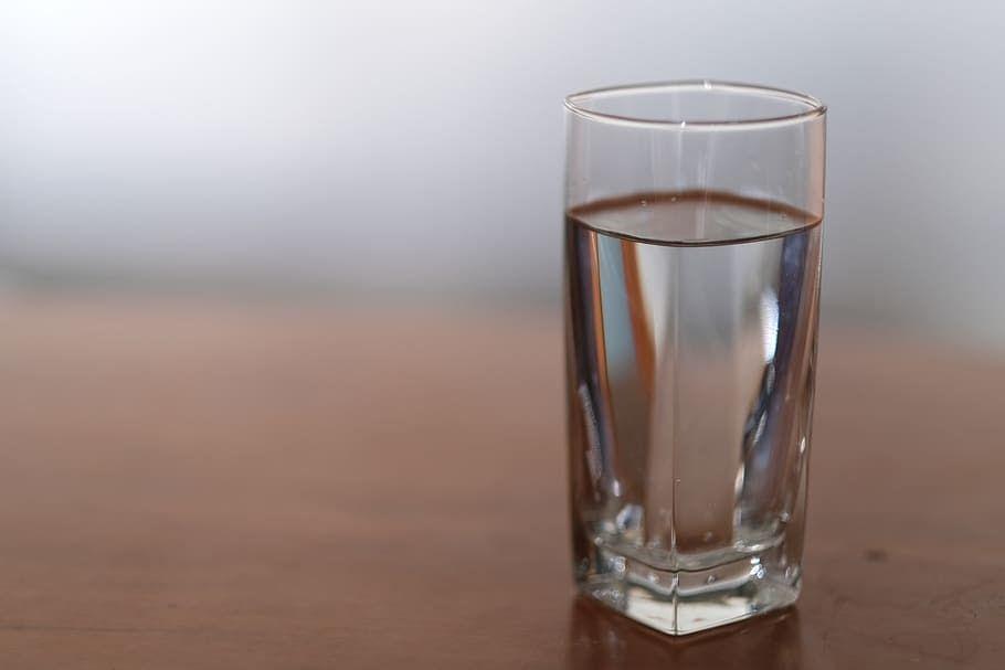 Ventajas de tener una fuente de agua en la oficina